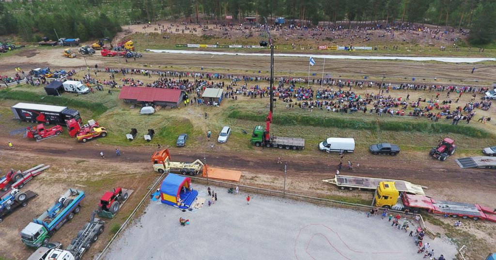 Traktorivetokilpailu Tyrnävällä
